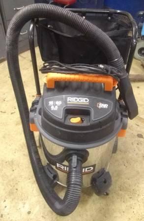 Photo Ridgid WetDry Shop Vacuum 16 Gal. 6.5-Peak HP Stainless Steel - $120 (Madison)