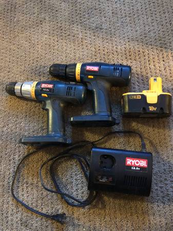 Photo Ryobi drills and charger - $20 (Deforest)