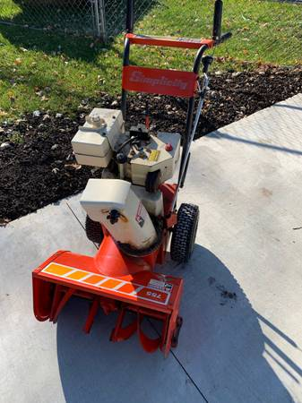 Photo Simplicity 755 22 7Hp Two Stage Electric Start Snowblower - $240 (Wisconsin Dells)