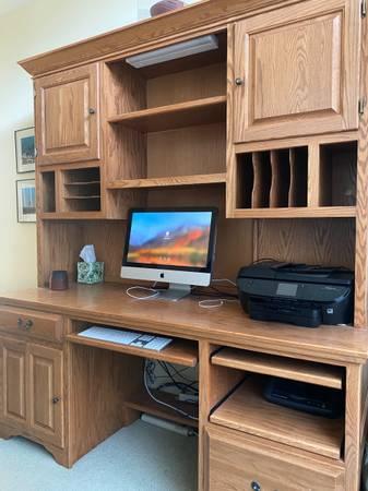 Photo Solid oak desk - $95 (Middleton)