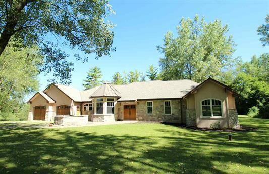 Photo Spectacular Custom Built 3-Bedroom 3-Bath Ranch Home on 2.348 acres (905 Clason St., Horicon, WI (Dodge County))