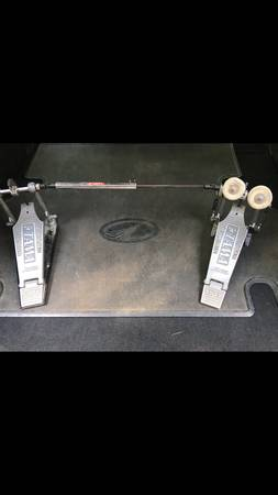 Photo Tama double bass drum pedal - $75