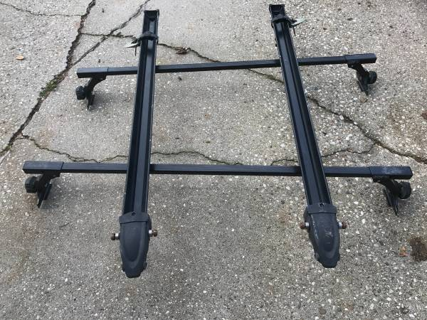 Photo Thule Roof Rack Setup for vehicles with rain gutters - $150 (Watertown)