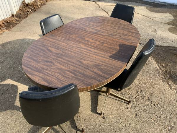 Photo Vintage MCM Mid Century Kitchen Table  Chairs Howell Furniture Co - $200 (Madison)