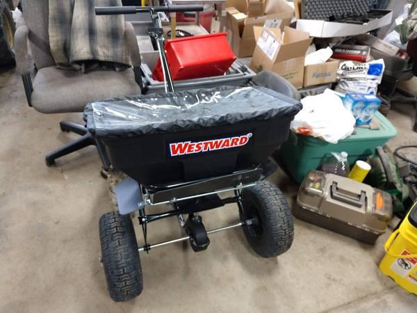 Photo Westward 125 lb. spreader - $200 (Juneau)