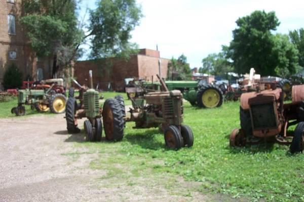 Photo 15 John Deere Tractors (Sleepy Eye, Mn.)