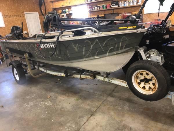 Photo 16 foot aluminum boat - $1,700 (New Auburn)