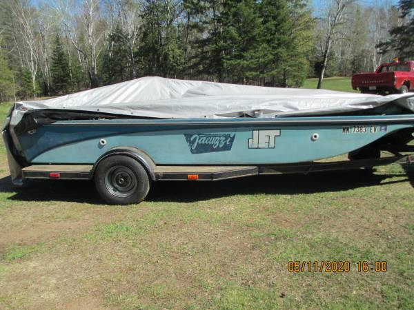 Photo 18ft Apollo Jet Bass Boat(RARE)455 olds motor - $2,000 (finlayson)