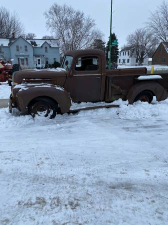 Photo 1947 Ford 34 Ton Pickup wV8 - $2,750 (Sleepy Eye)
