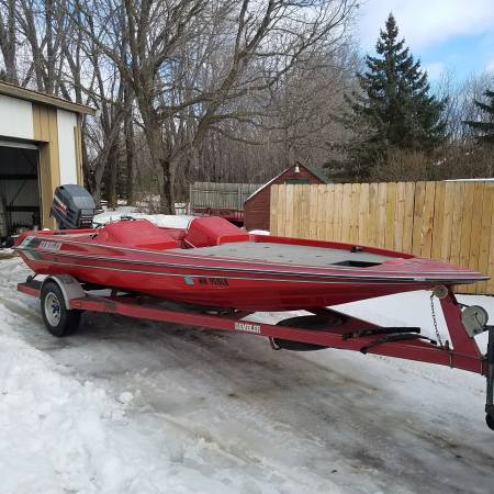 Photo 1996 19ft Gambler Bass Boat 200 HP Mariner Super Magnum - $7000 (Waseca)