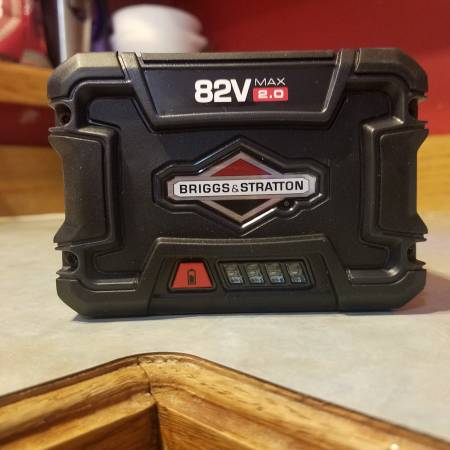 Photo Battery for Snapper XD 82volt cordless lawn  garden tools - $80 (Mankato)