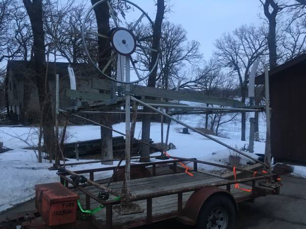 Photo Demco 1500 boat lift - $500 (Francis Sites)