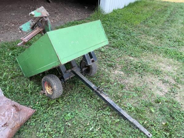 Photo Lawn dump trailer and John Deere garden tractor blade - $65 (Welcome)