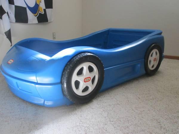 Photo Little Tikes Toddler Race Car Bed - $80 (Mankato Area)