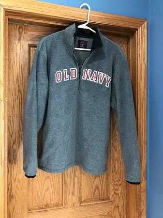 Photo Old Navy Fleece Sweatshirts - $25 (Mankato)