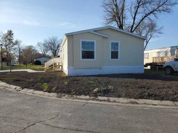 Photo Open-Concept, Easy Step by Step Financing for all New Homes, Microwave (Near the MN Autism Center)