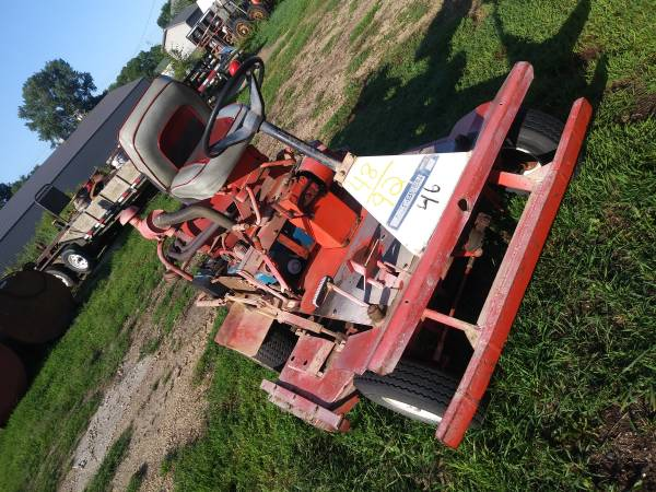 Photo VINTAGE JACOBSEN COMMERCIAL RIDING MOWER - $825 (WELCOME, MN)