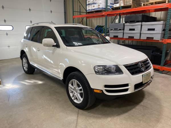 Photo VW Touareg - $7500 (Estherville)