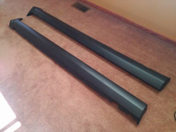 Photo 05-09 mustang rocker covers - $190 (Lexington)