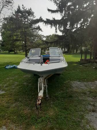 Photo 16ft boat to trade or deal (Nevada)