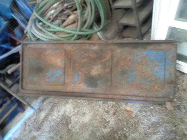 Photo 1942-1947 Ford Truck Tail Gate - $100 (North Robinson)