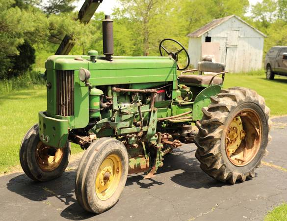 Photo 1958 John Deere 420 S Two Cylinder Tractor - $4500 (Ashland, Ohio)