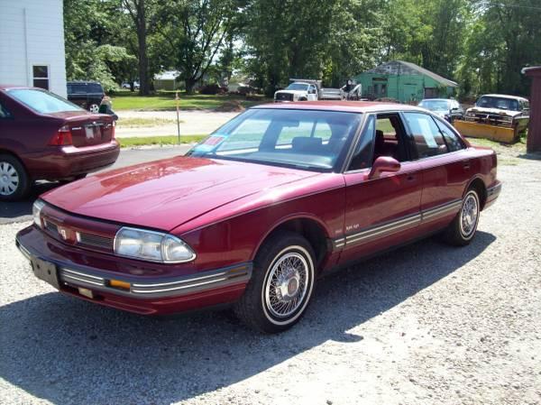 Photo 1993 Oldsmobile Delta 88 - $3,995 (Medina)