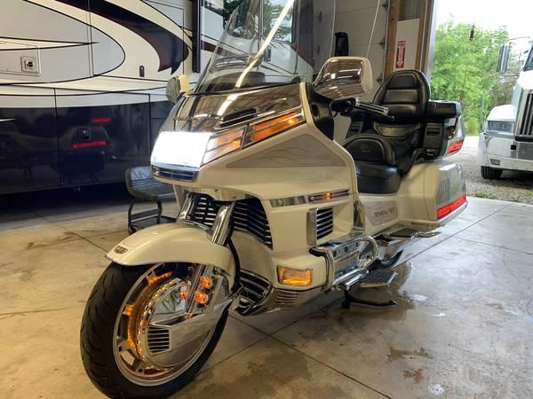 Photo 1996 Honda Goldwing 1500 SE - $4,800 (Sunbury)