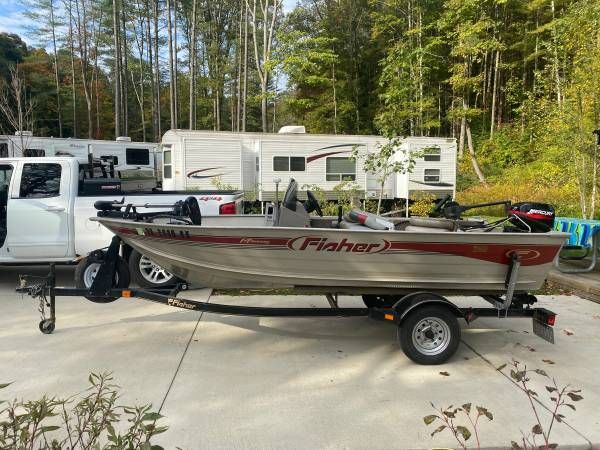 Photo 2002 fisher boat 14ft - $4,500 (New London)