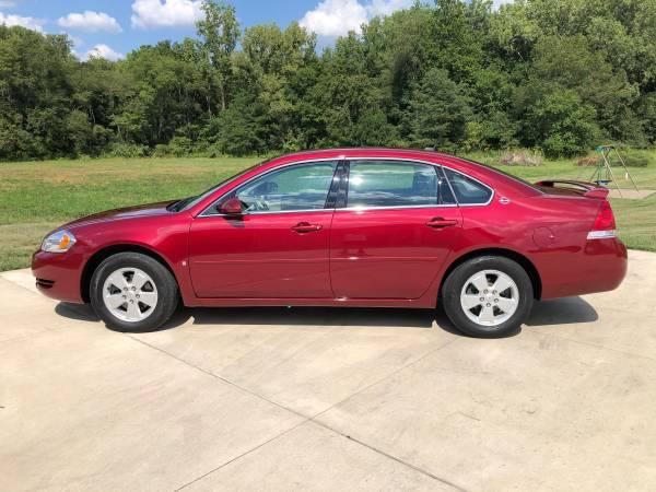 Photo 2008 Chevy Impala - $8,200