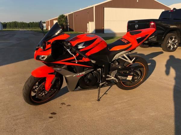 Photo 2008 Honda CBR RR 600cc - $6,200 (Westlake)