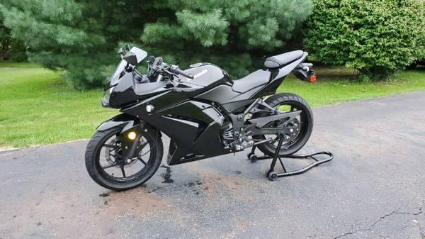 Photo 2009 Kawasaki Ninja 250r - $2,800 (Mantua)