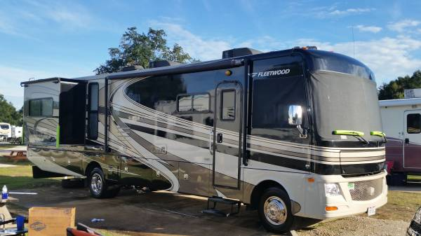 Photo 2010 Fleetwood RV Terra Premium 36T Ford V10 with 28k miles - $57,900 (Mansfield)
