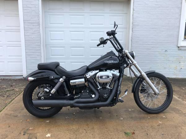 Photo 2011 Harley Davidson Wide Glide FXDWG - $7,495 (Fairport Harbor)
