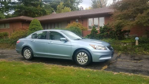 Photo 2011 Honda Accord LX 4 door 4 cylinder, automatic - $7,995 (Mansfield)