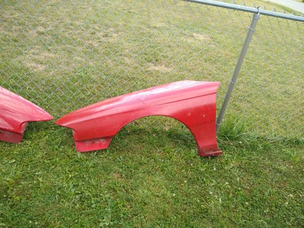 Photo 94-98 Ford mustang - $20 (Mansfield)