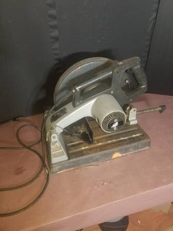 Photo Black and Decker 2731 Chop Saw - $60 (shelby)