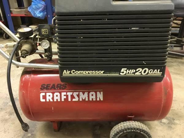Photo CRAFTSMAN AIR COMPRESSOR - $100 (WELLINGTON AREA)
