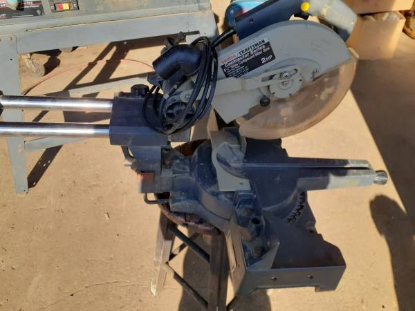Photo Craftsman 8  a quarter inch slide compound miter saw 2 horsepower - $125 (Fredericktown-Johnsville)