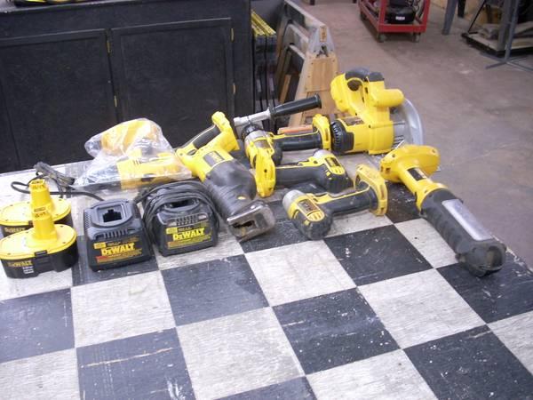 Photo Dewalt 18V cordless tools-updated - $275 (Bucyrus)