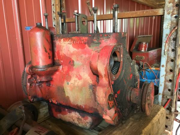Photo Farmall A BlockPistonsCrankshaft - $200 (Ashland)