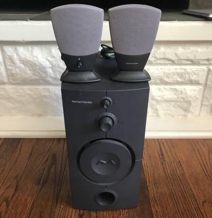 Photo Harman Kardon HK395 2.1 Speaker System w Powered Subwoofer - $30