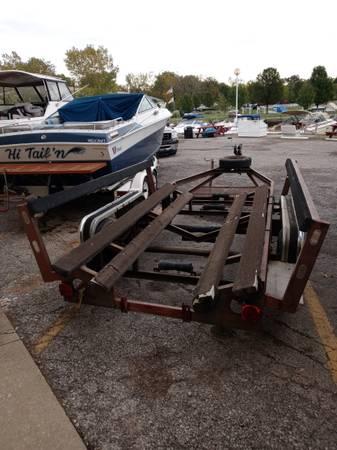 Photo Heavy duty 2339 boat trailer tandem axels - $900 (Vermilion)