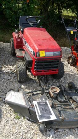 Photo Honda lawn tractor HT3813 - $450 (Medina)