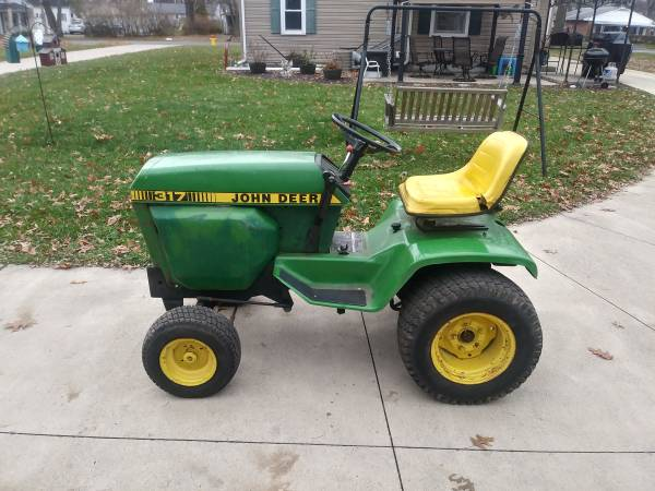 Photo John Deere 317 Lawn  Garden Tractor - $600 (Lima)