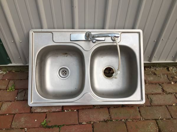 Photo Stainless Steel Double Kitchen Sink - $25 (Bucyrus)