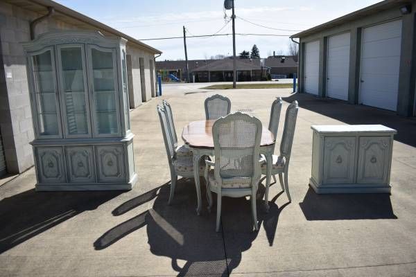 Photo Thomasville 9 Piece Dining Room Suite(delivery available) - $625 (Mansfield)