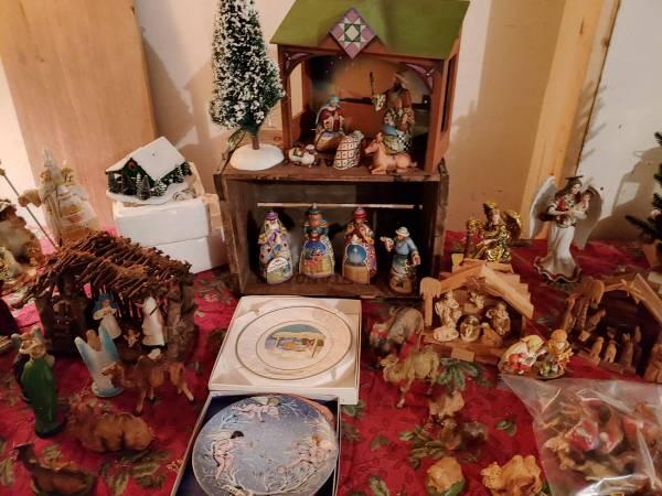 Photo Vintage Christmas  More Estate Sale (Amherst)