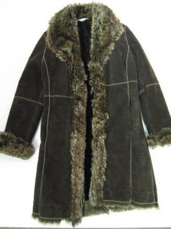 Photo Women39s Marvin Richards Dark Chocolate Brown Suede w Faux Fur Size S - $60 (Bucyrus Ohio)