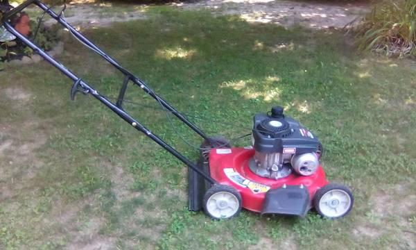 Photo Yard Machines mower - $85 (OntarioMansfield)